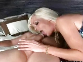 Short haired blonde with big hooters riding on stiff choad
