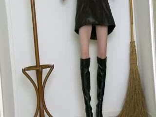 getblowjob witch in high darksome boots