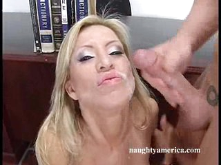 Lusty bitch Amberlina Lynn sucks hot cock and cum splashes on her face