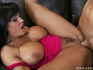 Busty Milf Lisa Ann Shows Her Sex Talents