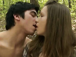 Stud stuffs twat of his legal age teenager girlfriend by large dick in forest