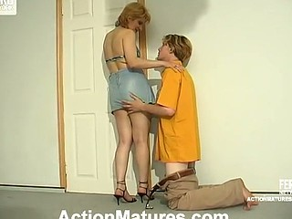 Freaky mommy teasing sleepy guy with her succulent twat previous to wild banging