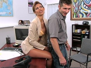 A classic MilfLessons update from 2004. Monique is our most excellent Materfamilias I'd Like To Fuck we've ever had the chance working with and watching her fuck youthful studs. Tall, sexy Latin Babe with a body of a goddess. Each youthful studs wet-dream. Come and watch this Latin Materfamilias I'd Like To Fuck work that butt. We love u Monique!