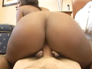 Black chick does POV porn in hotel
