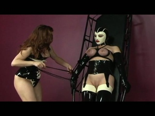 Hot babe get her zeppelins busted with rope and tied