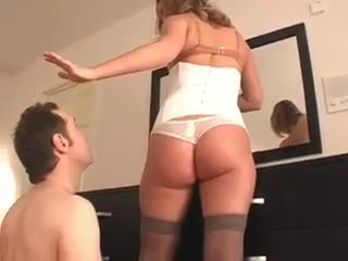 Cuckold rims his dominatrix-bitch during the time that she puts makeup on